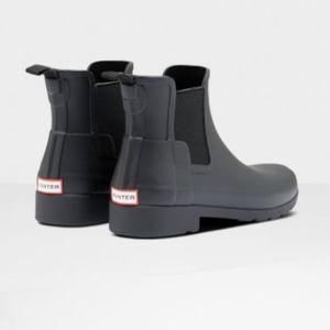 Women's refined slim fit Chelsea boots